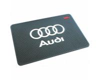 Автомобильный антискользящий коврик на торпеду Audi