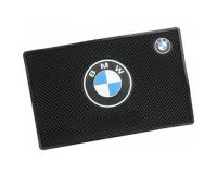 Автомобильный антискользящий коврик на торпеду BMW
